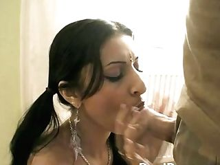 Beautiful Indian School Chick Big Fuckpole Sucker