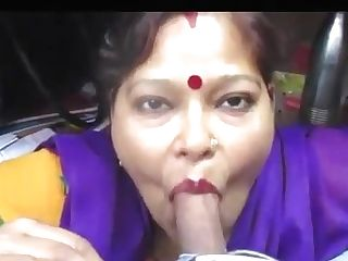 Desi Aunty Providing Blowage And Deepthroat Drank Jizz